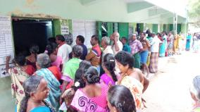 local-body-elections-people-queue-up-to-vote-in-virudhunagar