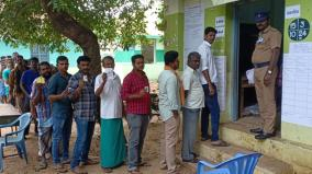 dindigul-confusion-in-ballot-paper-caused-small-interruption-in-polling