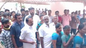 minister-ka-sengottaiyan-voted-in-erode