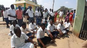 kovilpatti-candidates-go-on-protest-condemning-youth-who-tried-to-cast-illegal-votes