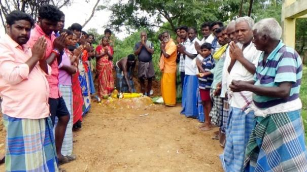 monkey-who-died-near-srimushnam-the-villagers-decide-to-build-the-temple