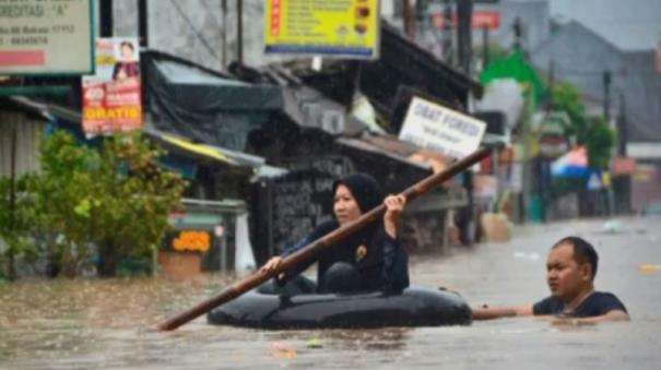 nine-dead-after-indonesian-capital-hit-by-new-year-flooding