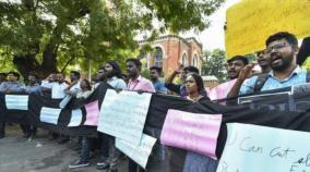 madras-univ-hold-protests-against-jnu-violencedras-univ-hold-protests-against-jnu-violence