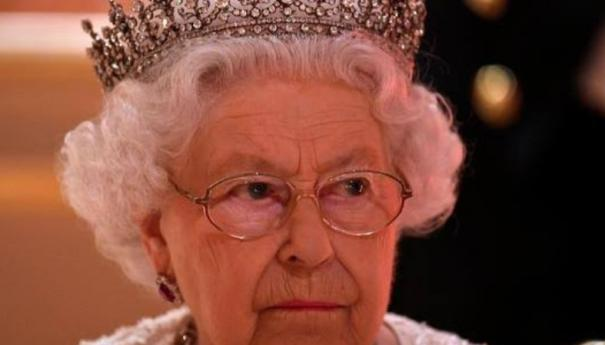 queen-elizabeth-agrees