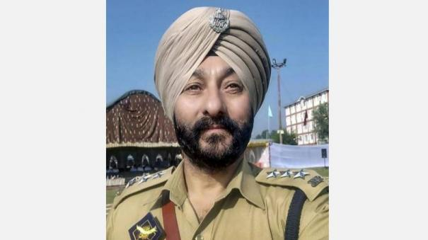 arrested-j-k-dsp-davinder-singh-s-police-medal-for-gallantry-forfeited-govt-order