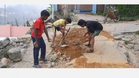kodaikanla-students-repair-the-damaged-road