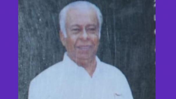kalamamani-sm-umar-passes-away-he-is-the-recipient-of-tamil-films-in-vietnam