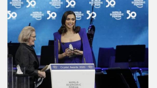 deepika-padukone-at-world-economic-forum