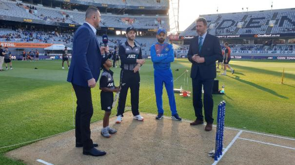 williamson-wins-toss-opts-to-bat-against-india-in-2nd-t20