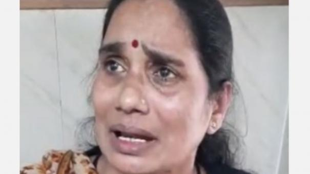 nirbhaya-s-mother-breaks-down-in-court-during-hearing