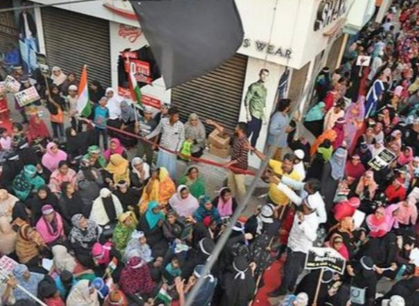police-lathicharge-on-anti-caa-demonstrators-sporadic-protests-snowball-into-chaos-and-scuffles-in-chennai