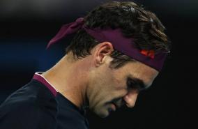 roger-federer-undergoes-knee-surgery-to-miss-french-open