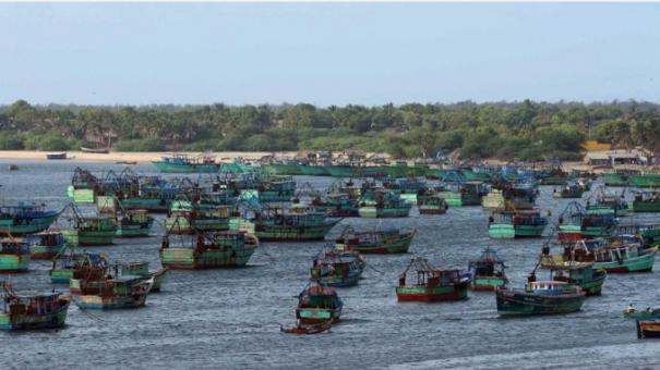 heavy-winds-in-palk-strait-fishermen-instructed-not-to-go-to-fishing