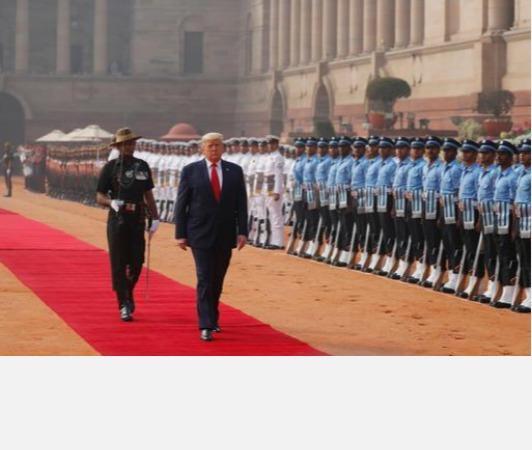 trump-accorded-tri-services-guard-of-honour-at-rashtrapati-bhavan