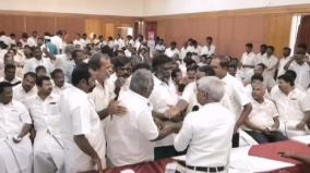 ruckus-in-dmk-meet-in-theni