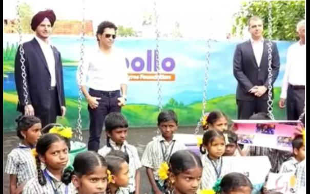 sachin-with-government-school-students