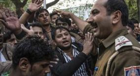 delhi-violence-relatives-wait-outside-mortuary-for-bodies-to-be-handed-over