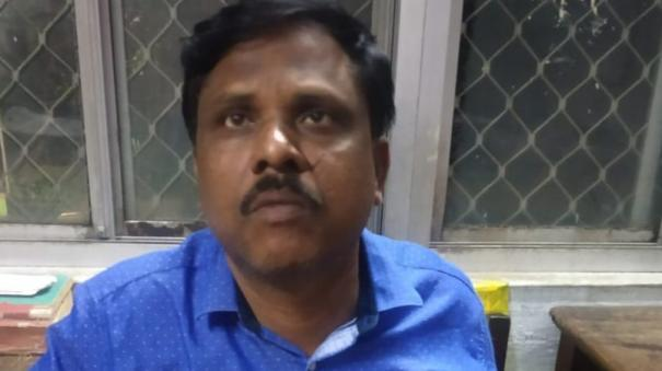 vellore-district-stamp-dpartment-assitant-collector-arrested