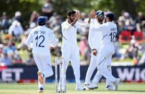 india-bundled-out-newzealand-for-235-runs