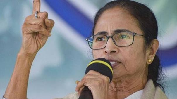all-bangladeshis-living-in-bengal-are-indian-citizens-says-mamata-banerjee