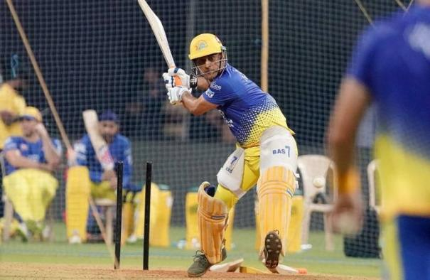 no-change-of-stance-on-dhoni-s-future