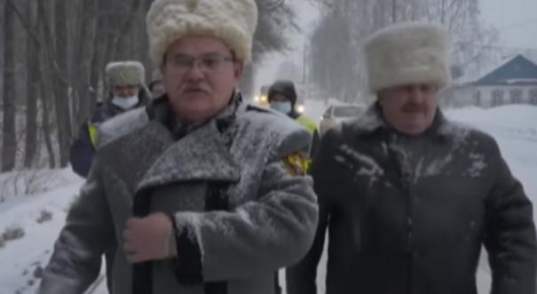 moscow-police-check-taxi-drivers-for-masks-sanitiser