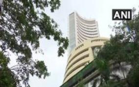 sensex-dips-3972-20-points-at-25-943-76-nifty-at-7-945-70