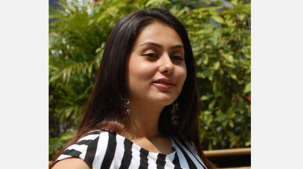 namitha-comparing-curfew-with-zoo