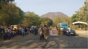 theni-people-returning-from-other-districts-checked-at-border