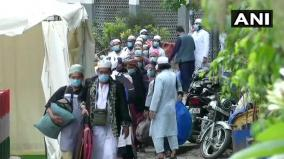people-from-markaz-building-nizamuddin-continue-to-be-shifted-to-hospitals-quarantine-centers