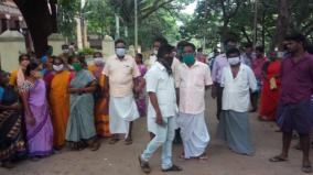 people-protest-to-lodge-covid-19-suspects-in-hotel-nearby-their-residence