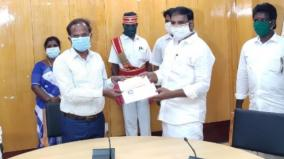 rs-5-10-lakhs-fund-gives-to-villupuram-collector-by-dmdk