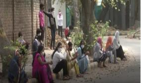 women-labourers-in-delhi-face-problems-due-to-lockdown-want-to-go-home
