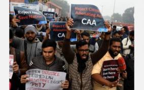 b-town-celebtrities-condemn-caa-protestors