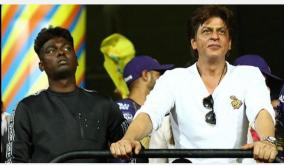 srk-skips-the-question-on-joining-hands-with-director-atlee