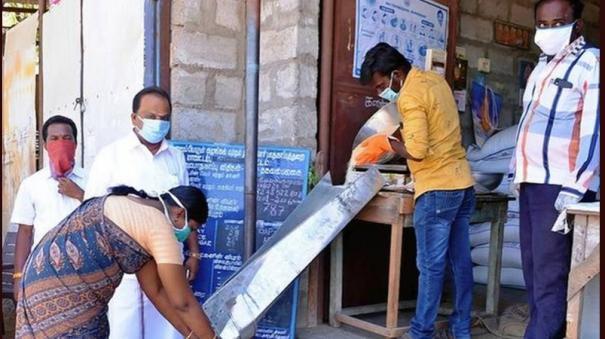 pds-helping-tamilnadu-poor-during-lockdown