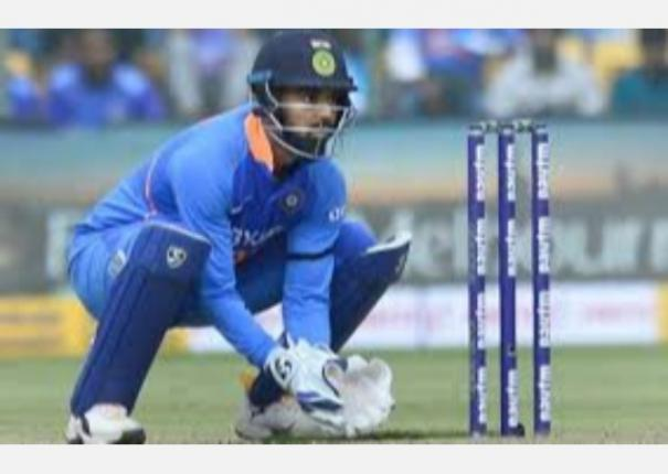 fumbling-can-make-people-feel-that-you-can-t-replace-ms-dhoni-k-l-rahul