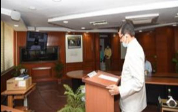 eminent-banker-shri-suresh-n-patel-takes-oath-as-vigilance-commissioner-today