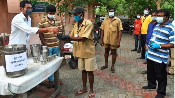 tutucorin-immuno-booster-drinks-given-to-sanitation-workers