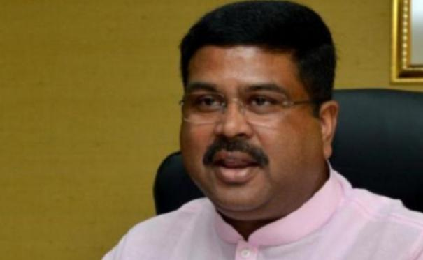 dharmendra-pradhan-minister-of-petroleum-and-natural-gas-and-steel-with-mr-alexander-novak