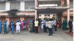 doctors-and-nurse-are-in-agitation