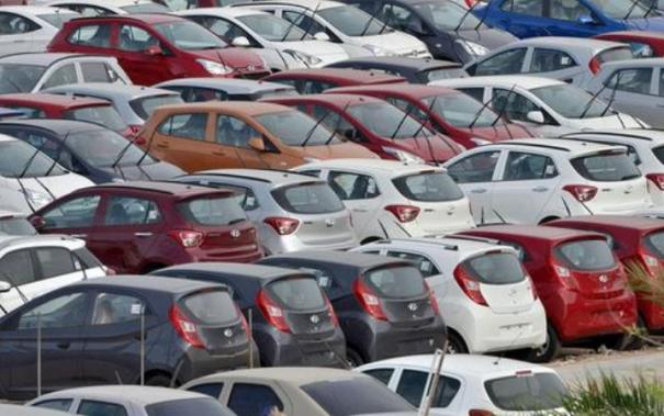 automobile-industry-gears-up-car-bookings