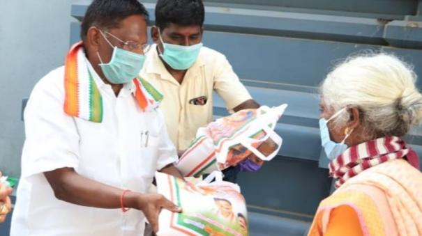 puduchery-cm-narayanasamy-provides-free-rice
