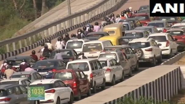 traffic-congestion-near-sarai-kale-khan-amid-4th-phase