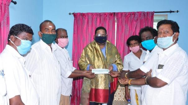 stage-actors-give-plea-to-covid-officer