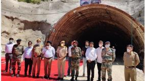gadkari-inaugurates-the-breakthrough-event-of-chamba-tunnel-under-chardham-pariyojana