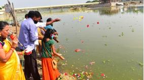 vaigai-water-reaches-madurai-public-welcome