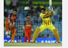 dhoni-s-team-meeting-lasts-only-2-minutes-parthiv-patel