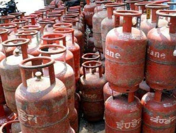 domestic-cooking-gas-price-raised-from-june-1-in-metros