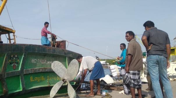 puducher-fishermen-didn-t-go-to-fishing